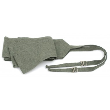 Puttees of cloth with steel buckles