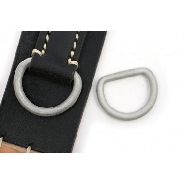 Rear D-ring for Y-strap, breadbag