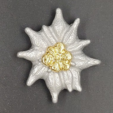 Metal Edelweiss for officer's peaked cap